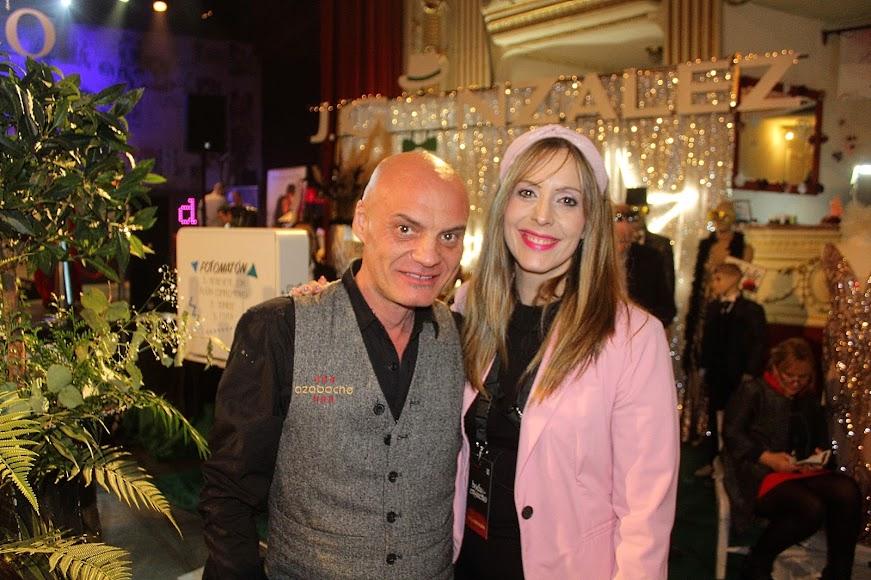 Paco Valdivia y Mª Luz Negrillo, creador del escenario de la boda y organizadora.