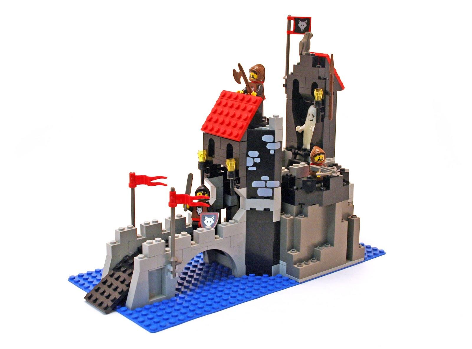 Wolfpack Tower - LEGO set #6075-1 (Building Sets > Castle > Wolfpack)