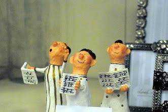 Photo: Männer Chor  Drijolale jodiri jolale Drijolale jodiri jolale, Holla jo la du jo la du ho ho ho hola jo la du o hola jo la du o holo jo la dujo la