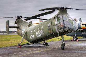 """Photo: Piasecki/Vertol H-21 C z charakterystycznym, """"wygiętym"""" kadłubem"""