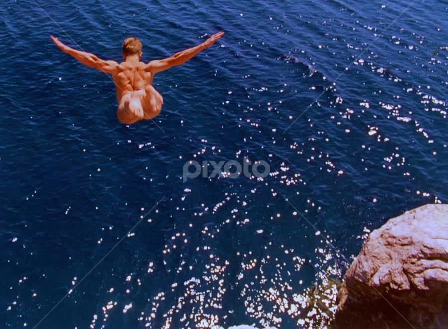 ICARUS... by Jean-marc Nehmé - Sports & Fitness Swimming ( flight, swan, sea, shen, diving, deep blue )