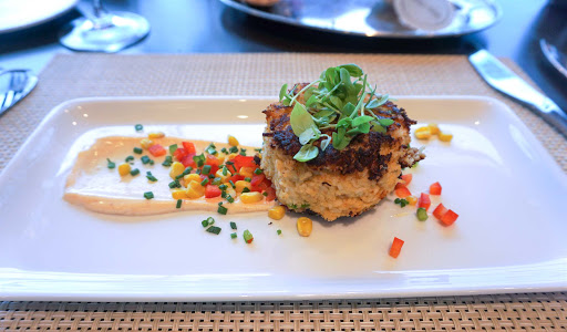 mariner-of-the-seas-chops-grille-crab-cake.jpg - The crab cake appetizer at Chops Grille on Mariner of the Seas. Yummy!