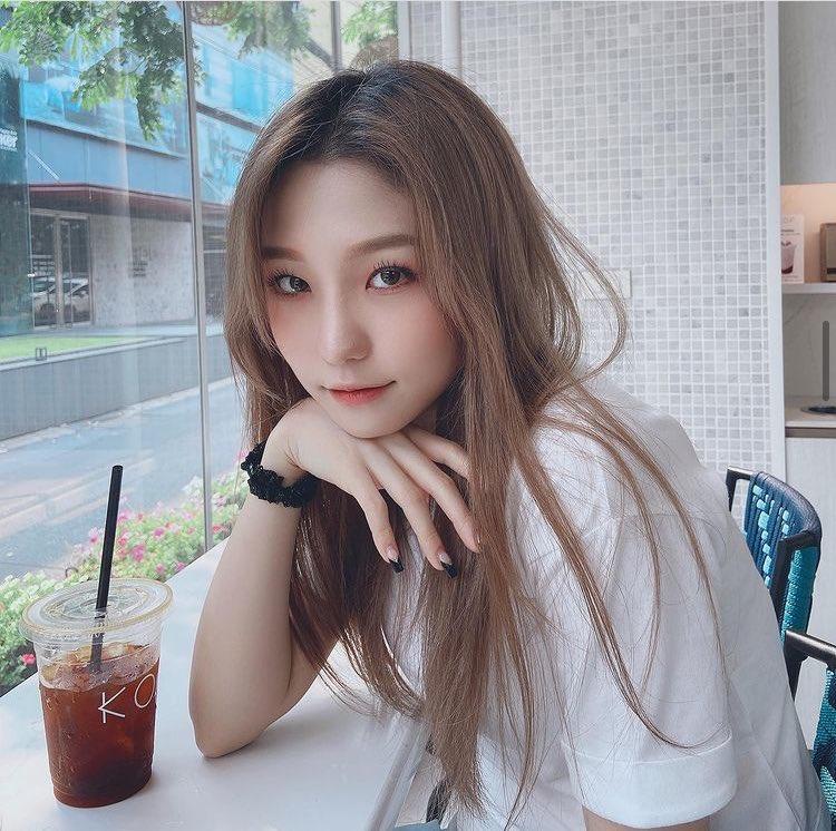 kim you jin onlyoneyoujin ig 2