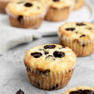Low-Carb Chocolate Chip Banana Bread Muffins Recipe