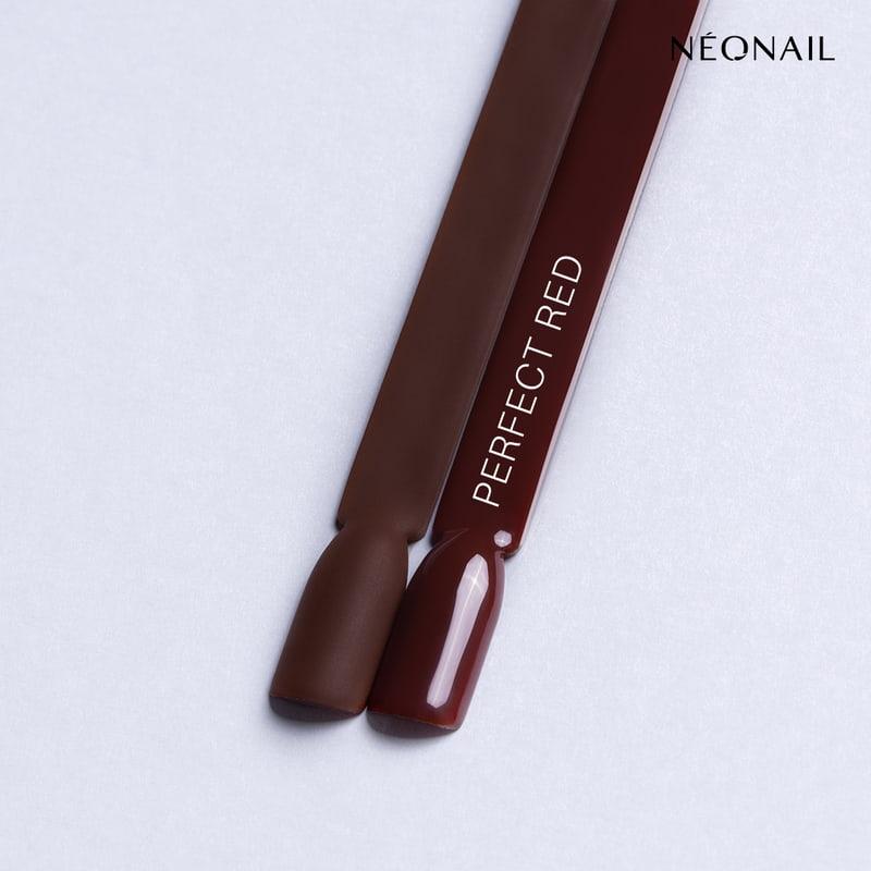 Perfect Red - czerwień idealnie pasująca do każdego odcienia skóry nawzorniku zefektem mat ipołysk