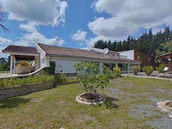 Maison 15 pièces 416 m2