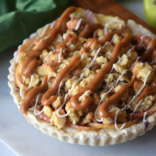 Caramel Crumble Apple Pie