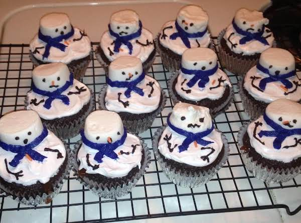 Ooey-est Gooey-est Melted Snowmen Cupcakes