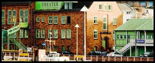 Photo: Theater im Stadthafen von Rostock