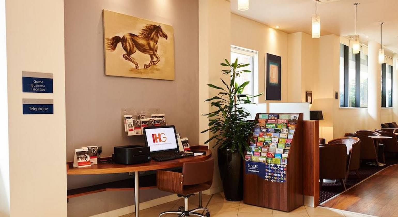 Holiday Inn Express Cheltenham Town Centre