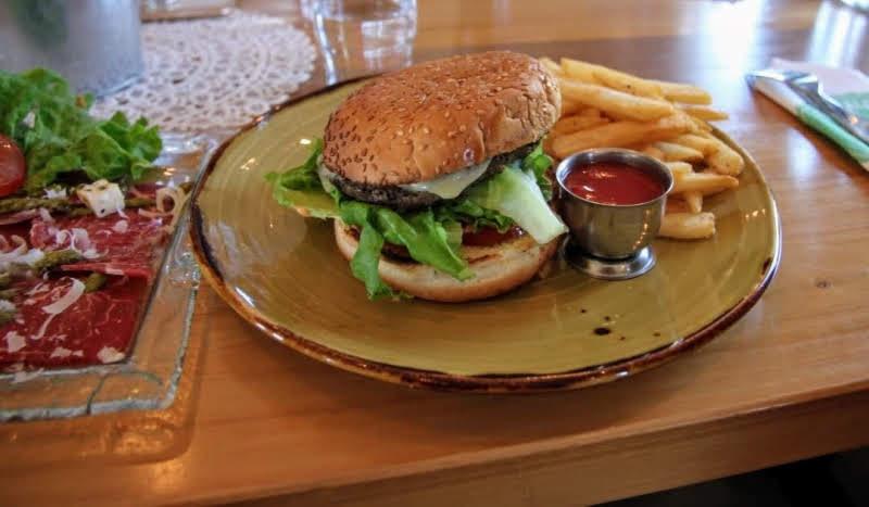 $20 hamburger Iceland