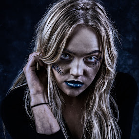Robin by Vincent Yates - People Portraits of Women ( blue lips, blonde, grungy, dark, blue eyes, moody,  )