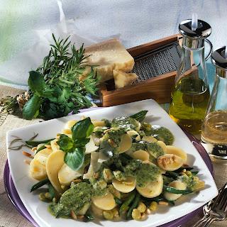 Kartoffel-Bohnensalat mit Pesto