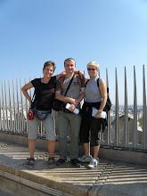Photo: Nám se tu taky líbí!  (Vítězný oblouk - Arc de Triomphe)