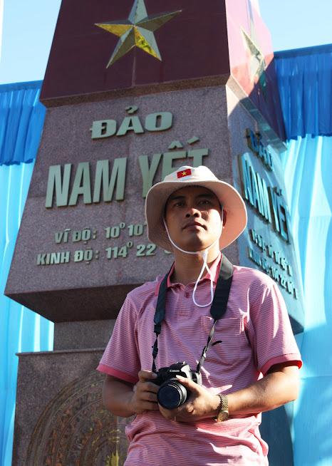 Tác giả tại đảo Nam Yết