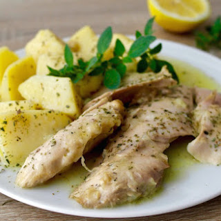 One-Pot Greek Lemon Chicken with Potatoes – Kotopoulo Lemonato