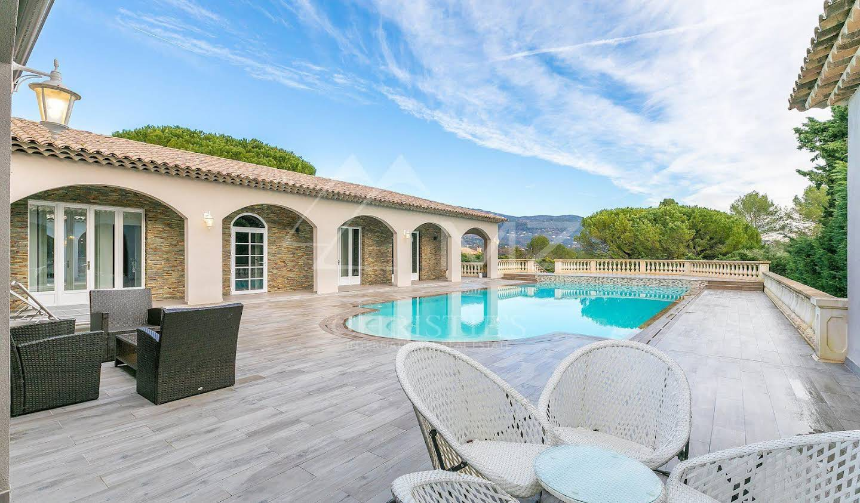 Maison avec piscine et jardin Peymeinade