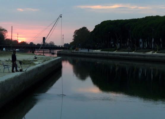Pesca al tramonto di kala