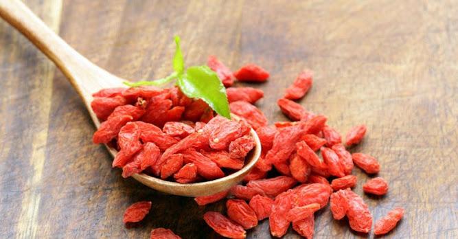 19 Deliciously Healthy Goji Berry Recipes