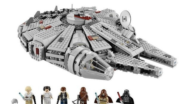 LEGO Star Wars: The Force Awakens Millenium Falcon