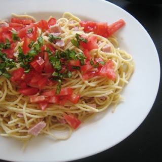 Creamy Noodles with Ham and Tomatoes.