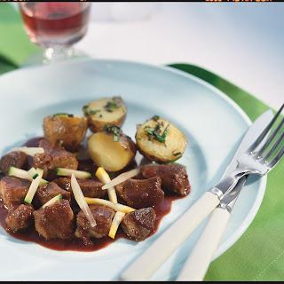 Lammgulasch mit Fenchel und Zucchini