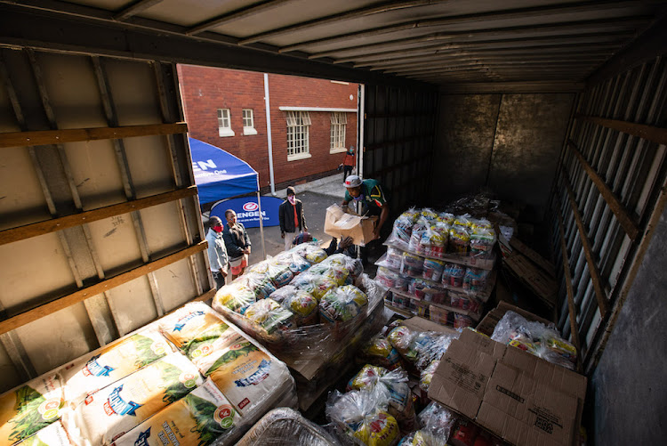 Engen provided food parcels to the Lamontville community, south of Durban, distributing 5,000 food hampers in the area as part of its Covid-19 relief efforts.