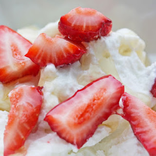 Easy Healthy Breakfast RecipeL Nonfat Plain Greek Yogurt with Honey and Strawberries.