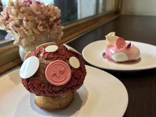 每一個甜點都很特別、很好吃!  主廚真的很用心~  老闆娘很甜美!  每次來都有愉快的體驗