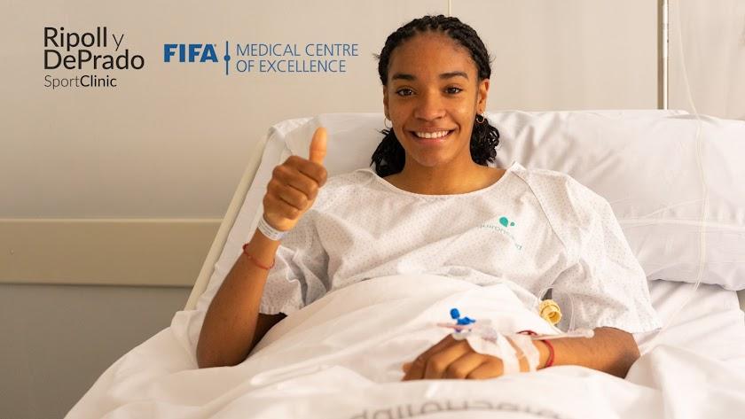 Salma Paralluelo tendrá un plazo de recuperación de ocho meses.