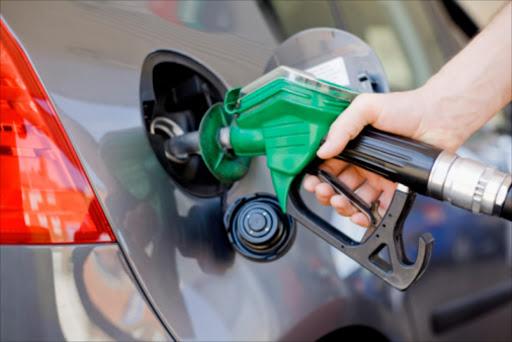 NUMSA dreig brandstof, motorwerkers staak - HeraldLIVE