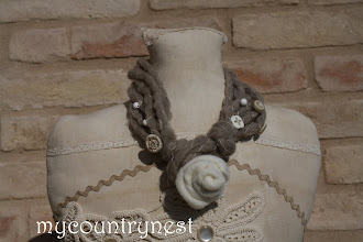 Photo: collana lana corta con rosa