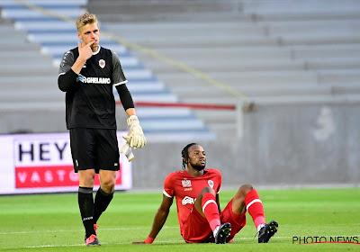 """Gemengde gevoelens bij Antwerp-debutant en de verklaring van de coach: """"Het was geen makkelijke keuze"""""""