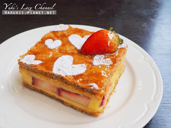 內湖 PAUL法式麵包甜點沙龍*法式晚餐自由選,甜點必吃草莓千層派
