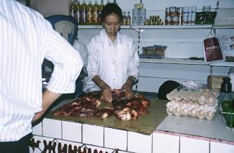 Photo: 03089 ウランバートル/風景/ダライ・エージ(海の母)/食料品専門の市場/肉屋