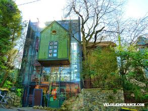 """Photo: La Maison """"Toulaho"""", une des maisons signées par l'architecte Jacques-Emile Lecaron à Clamart - e-guide balade à vélo de Versailles à Meudon par veloiledefrance.com"""