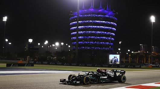 Cara y cruz de Sainz y Alonso en el inicio del campeonato
