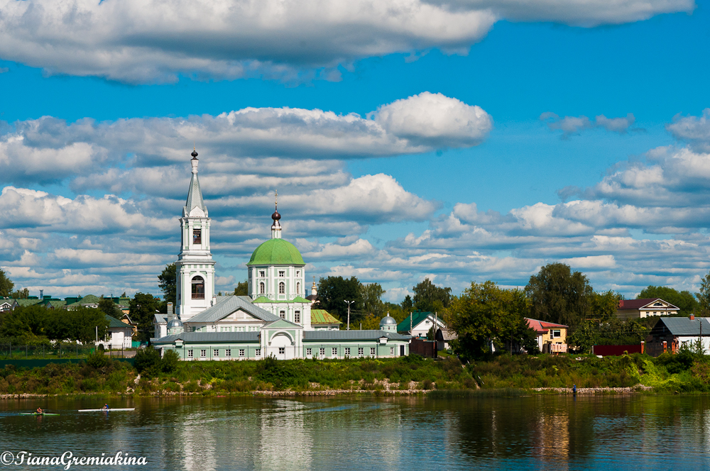 church-Tver-Volga-river-Russia-thebrightworldaround