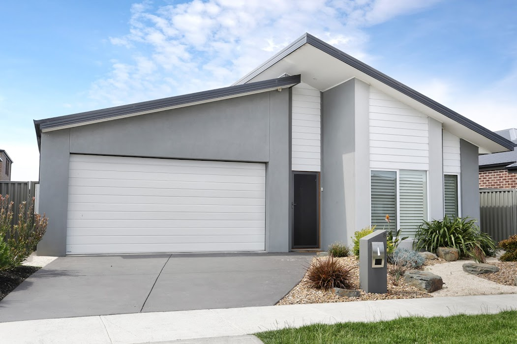 Main photo of property at 5 Cortula Road, Cranbourne East 3977
