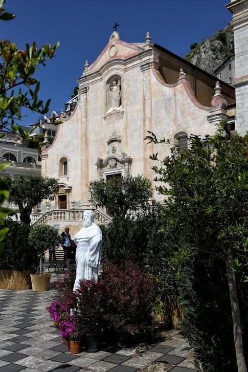 Taormina, Piazza IX Aprile
