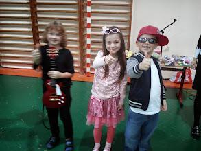 Photo: Prvé miesto! Vytancovali a vyspievali Karinka (alias Dara) a Jakubko (alias Tomi Popovič). Blahoželáme!
