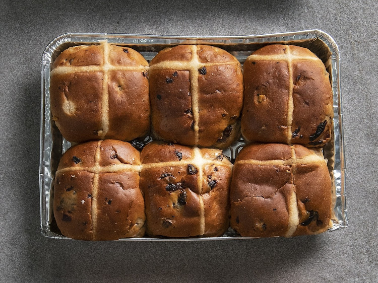 SPAR Traditional Hot Cross Buns.