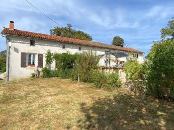 maison à Charroux (86)