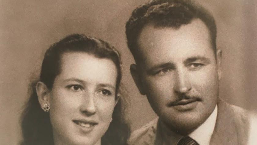 Francisco José Sánchez Fernández (Sorbas 1926-1986), junto a su mujer, Beatriz Martínez Collado.