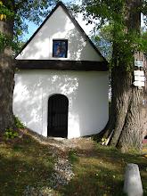 Photo: Maszerując przed siebie mijam spokojnie stojącą kapliczkę Nad Šléglovem.