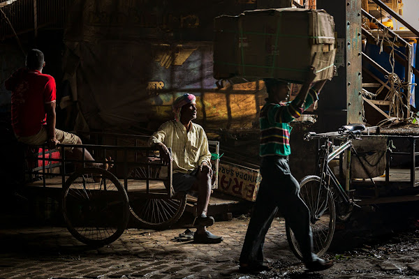 Street life at Mullick Ghat