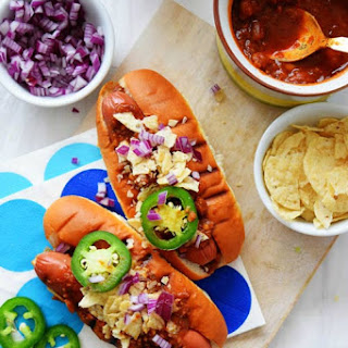 Slow Cooker Chili Dogs