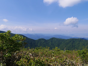 冠岳(その左に、らくだの背)