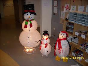 Photo: big snowman, little snowman and penguin
