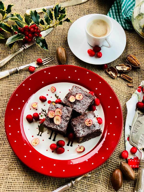 Quick, Delicious Nuts And Dark Cacao Brownies Recipe